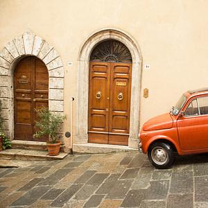 Small orange bug / Montepulciano